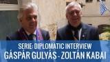 SERIE: INTERVIEW DIPLOMATIQUE – Zoltàn Kabai & Gáspár Gulyás